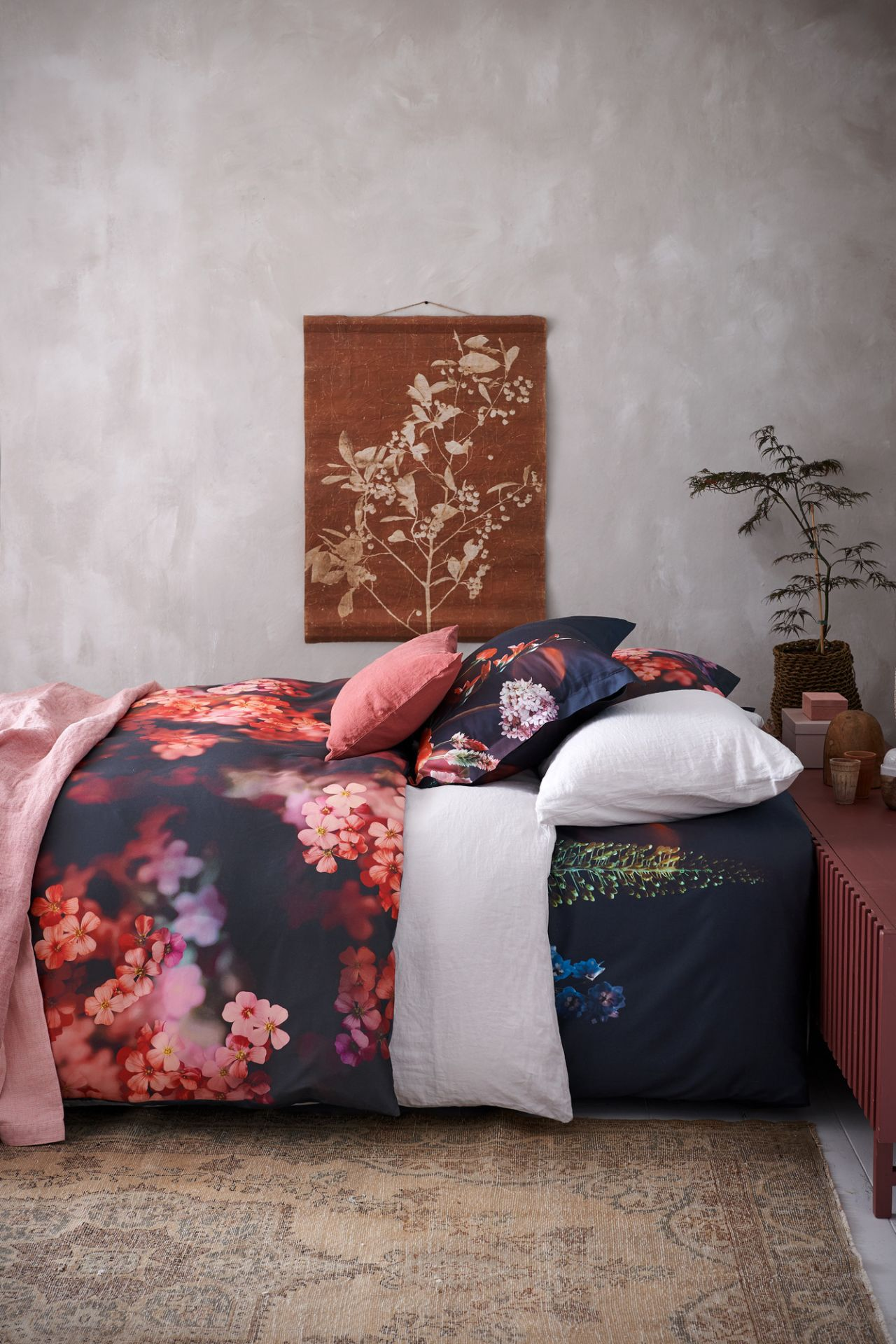 VanDyck bedtextiel Fascination 000 Multi, Bedazzled, Purity 79 169, 442, Pure 11 140 Faded pink bij Slaapkenner Lute in Limmen